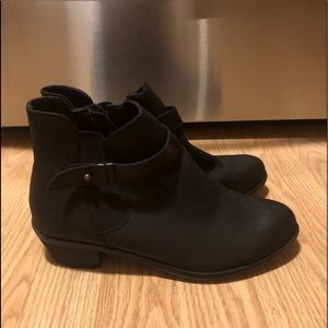 Women's Like New Black Boots Size 6.5